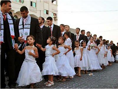 1b4590e72 Casamento em massa organizado pelo Hamas em Gaza